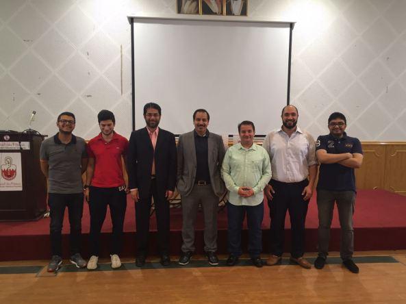 صورة جماعية لأعضاء رابطة الأوعية الدمومية بجمعية الأطباء.jpg